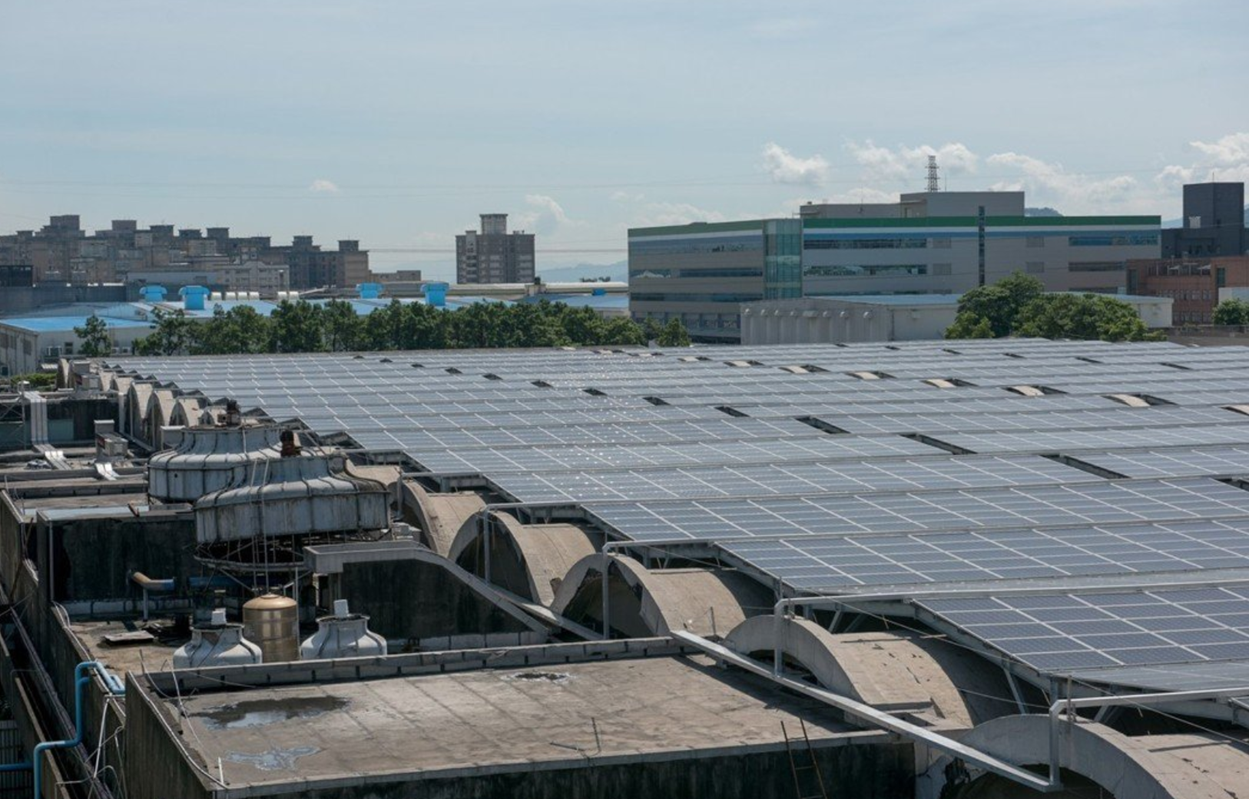 The roof of ShinKong Textiles mill in Taoyuan, Taiwan where our Aero Zero Fabric is made. The milling of the fabric is fully powered by solar energy. In fact, the roof produces energy in excess of the mills needs, which it sells back to grid, particularly during peak usage time.