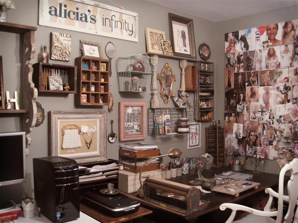 Alicias-Infinity-Studio-2 (Medium).jpg