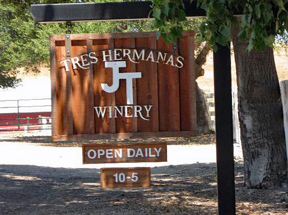 tres-hermanas-winery.jpg