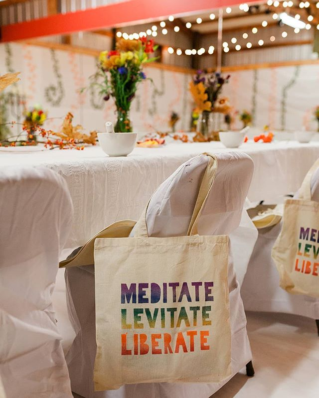 "You know when you're building something, it's constantly changing.. it's in a state of flux until you feel like ""YEAH, THAT'S IT!"" 💫 💎 These were the handmade swag bags from @liberationholisticarts  Fall Edition 2018 🤗 These words really resonated with me at the time, but now I realize that I didn't have the word ""CREATE"" in there! 💎 I'm rediscovering that a lot of the things that I worried about with these workshops didn't matter. Really, Aramis?! We were creating the whole time! Ain't no matter worried about a damn bag😅 💎 The more I realize that this creative workshop is about YOU who is reading this, the better it has become 😍 💎 I want you to feel that creative spark within yourself. Express your feelings through painting, movement, theater, song, or whatever way YOU want 💫 💎 This is a reminder for me and you: Dont over think it, boo...just make something! 😘💕 💎 📸 @janettecasolary 👑💖 . . . #liberationholisticarts #art #meditation #holistichealth #artworkshop #paintingworkshop #meditation #mindfulness #creativity #create #meditate #liberate #swagbags #dontoverthinkit #makesomething #dopeshit"