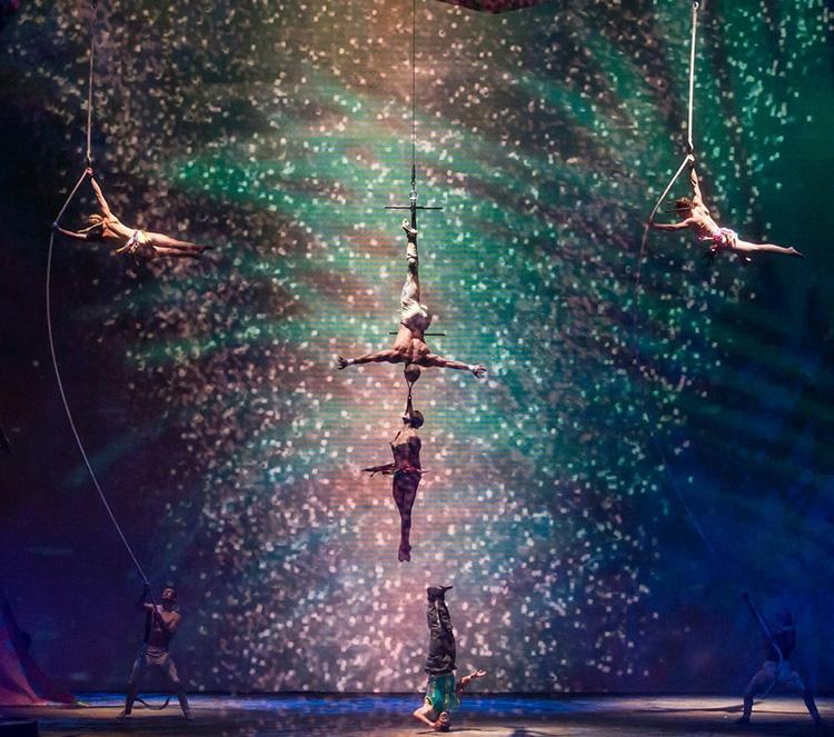 cirque-image-1.jpg
