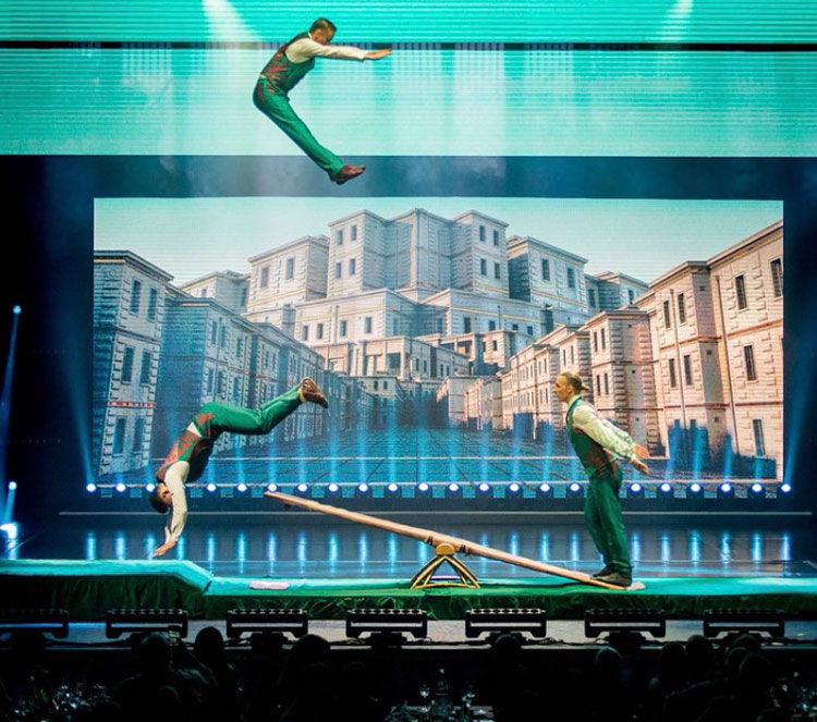 cirque-image-11.jpg