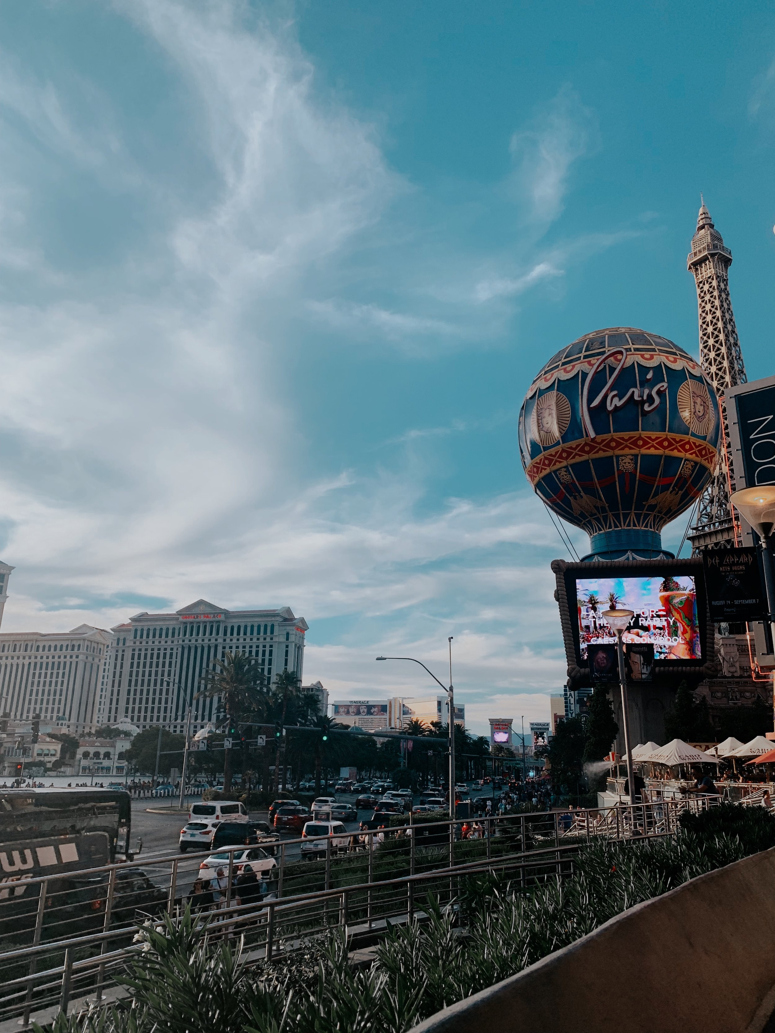 Walking along the strip and seeing everything lit up at night was such a treat! It seriously made me consider having my Bachelorette Party there!