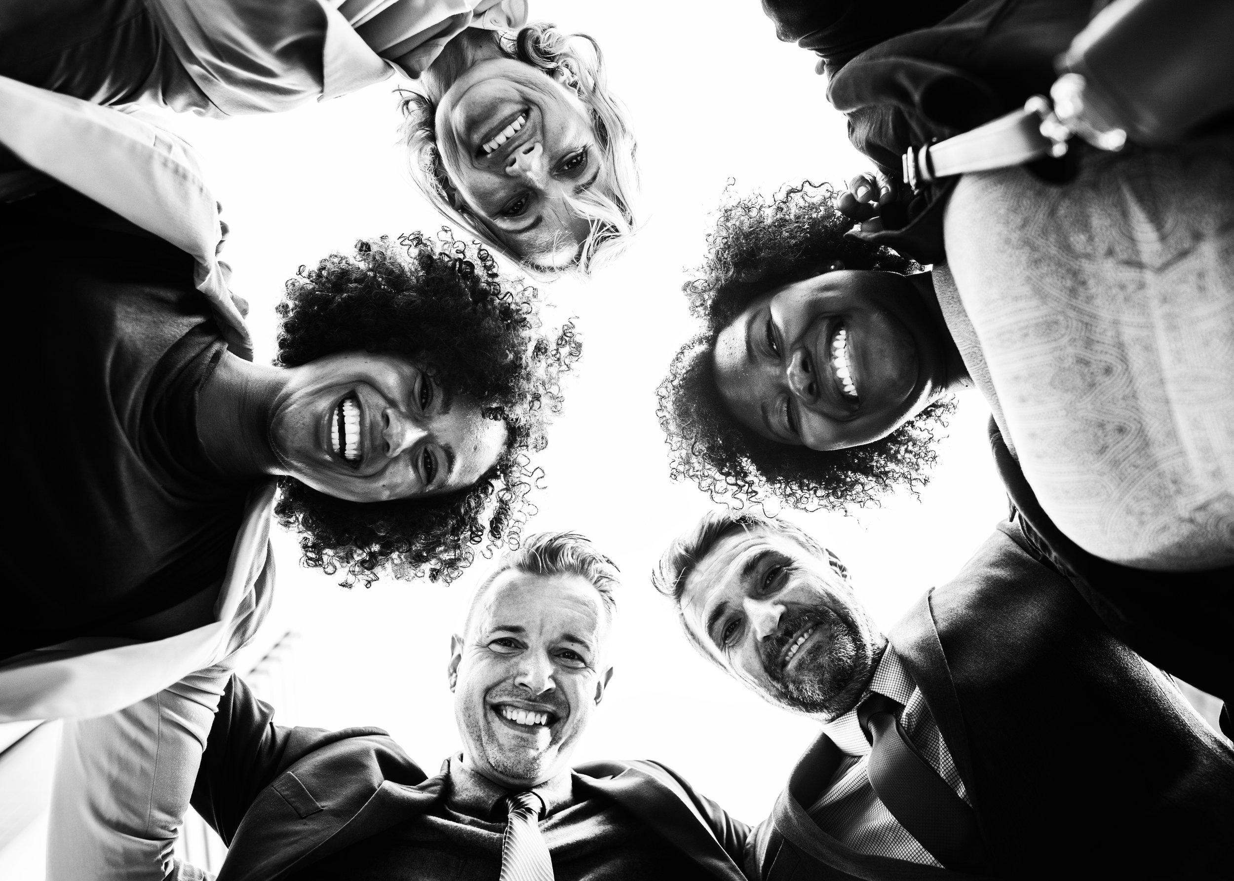 BECOME A MEMBER OF OUR HAPPY TEAM! - Enthousiaste callcenter medewerker 12 - 40 per week, tussen de 10 en 18 euro per uur!