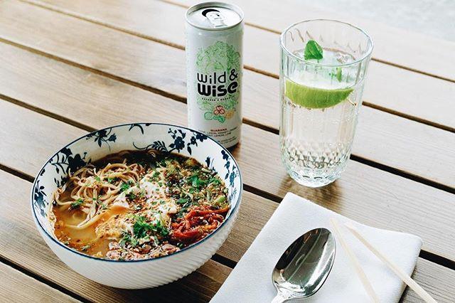 Sağlıklı bir öğle yemeğinin yanında, düşük kalorili Wild&Wise olmazsa olmaz!