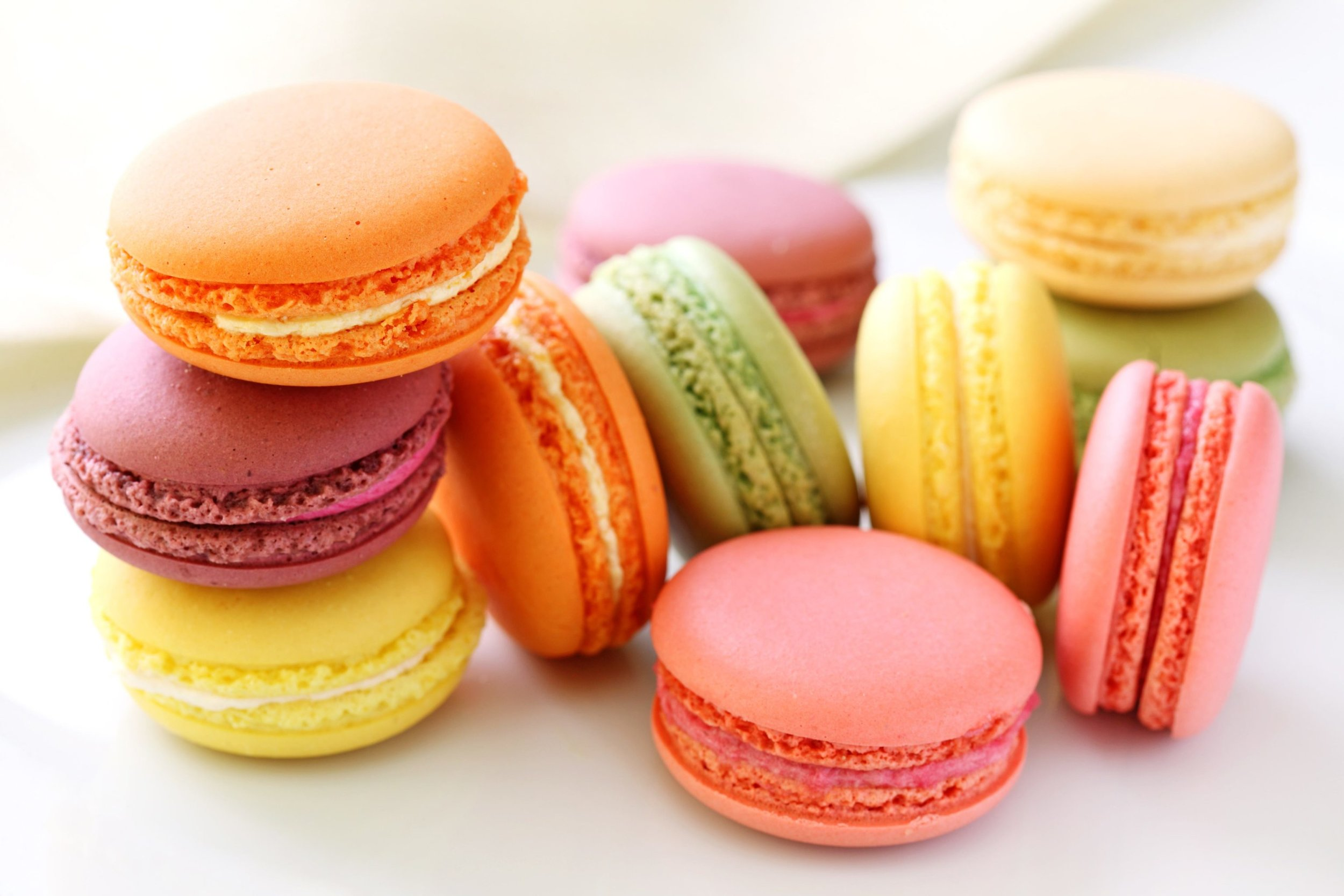 champagne-and-macarons.jpg