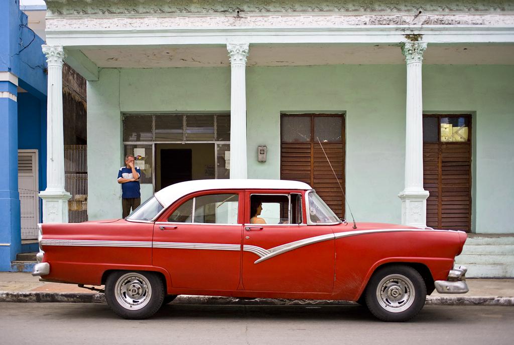 E2009-10_06_Chevrolet 1957, Cuba 2009 66X100 .jpg