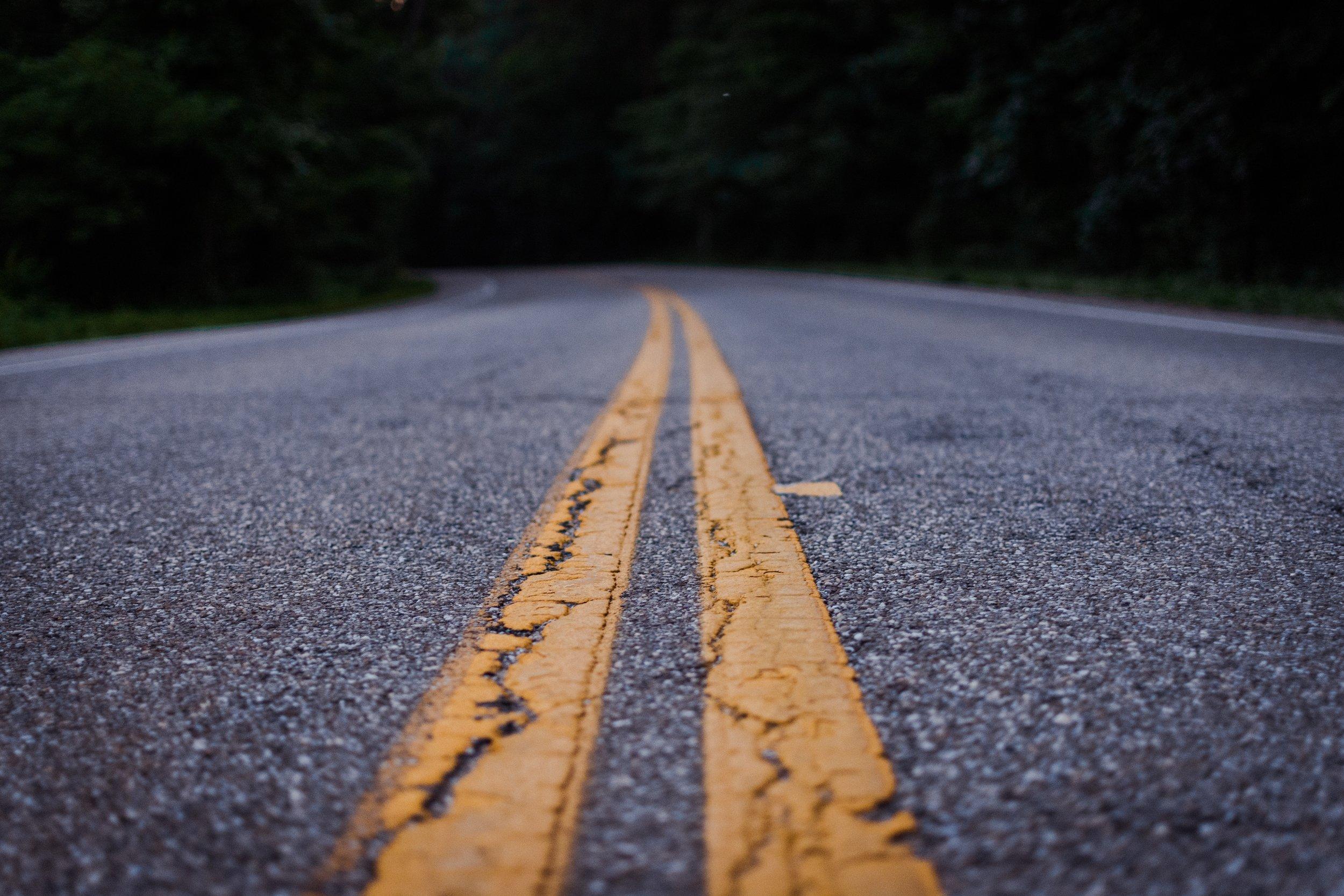 jamie-mission-road-asphalt-bitumen-empty-road-1197095.jpg