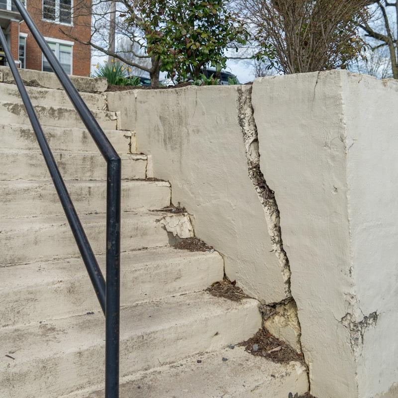 renovations-retainingwall_orig.jpg