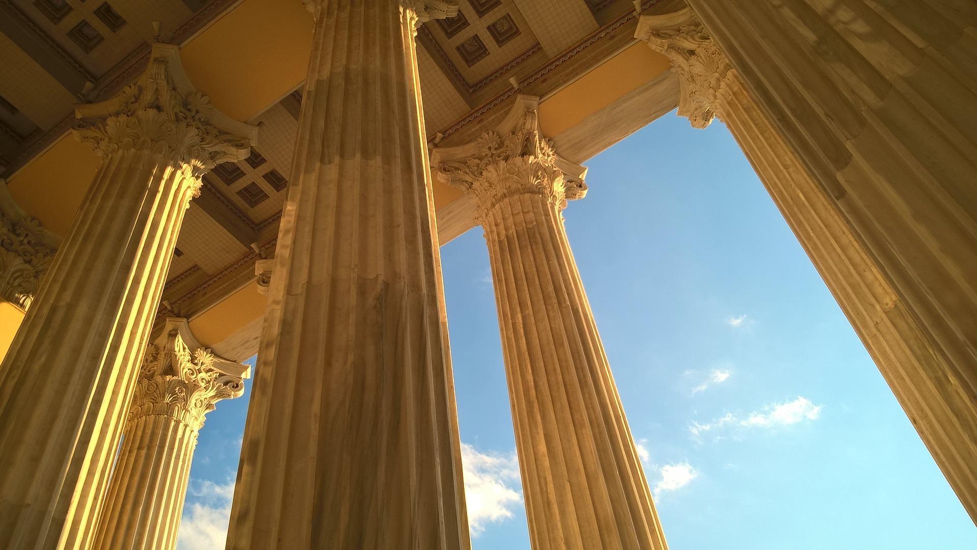 columns-1875814_1920.jpg