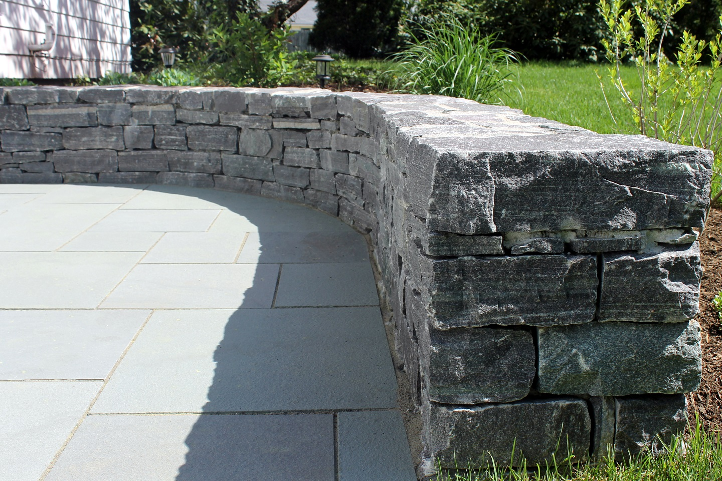 Wellesley, MA bluestone patio with retaining wall