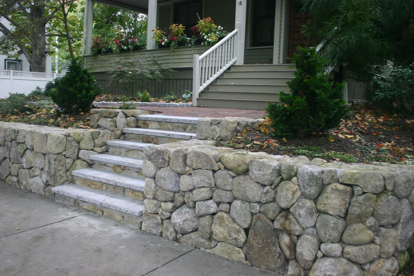 Walkway pavers and retaining wall in Brookline, MA