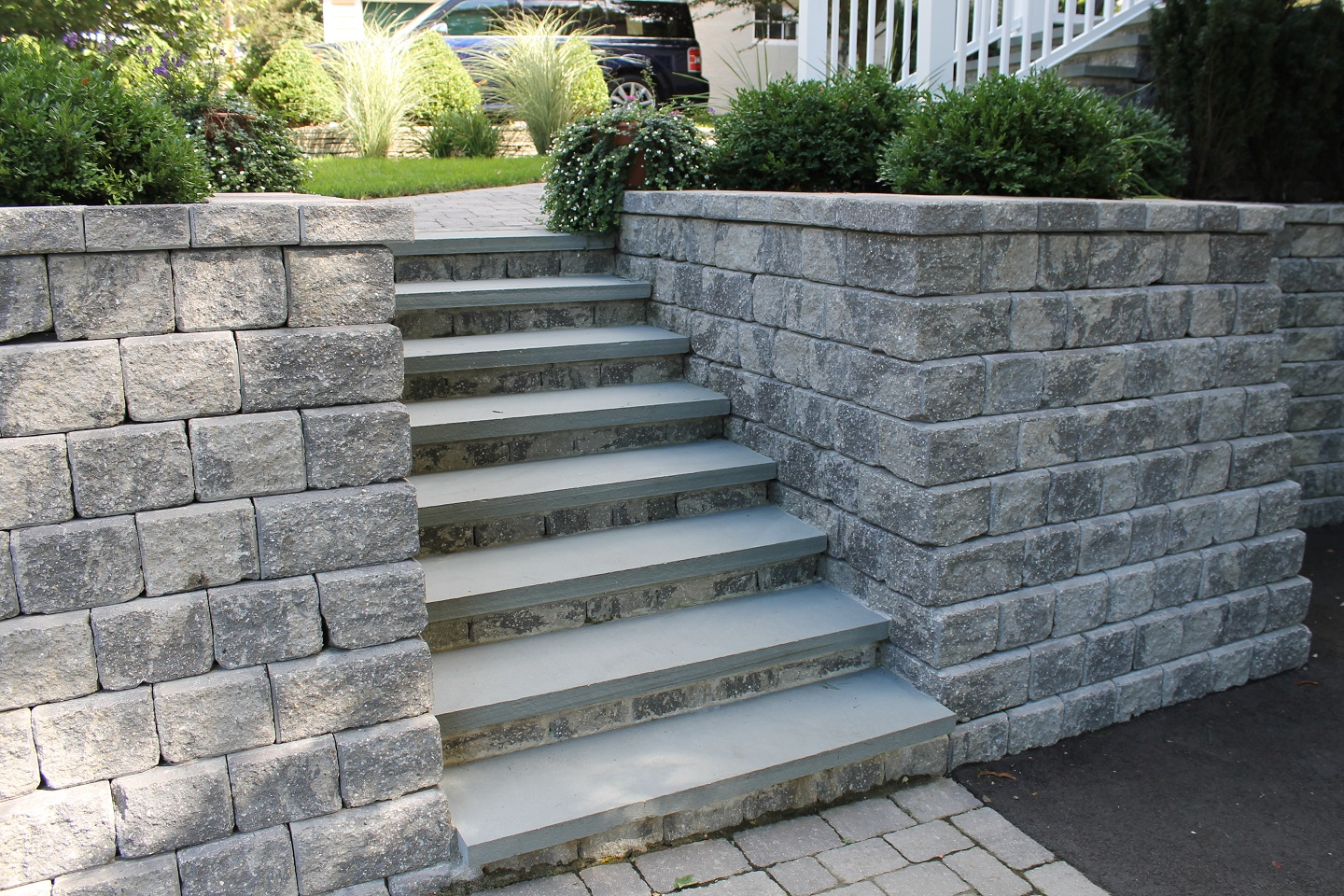 Walkway pavers with stunning retaining wall in Brookline, MA