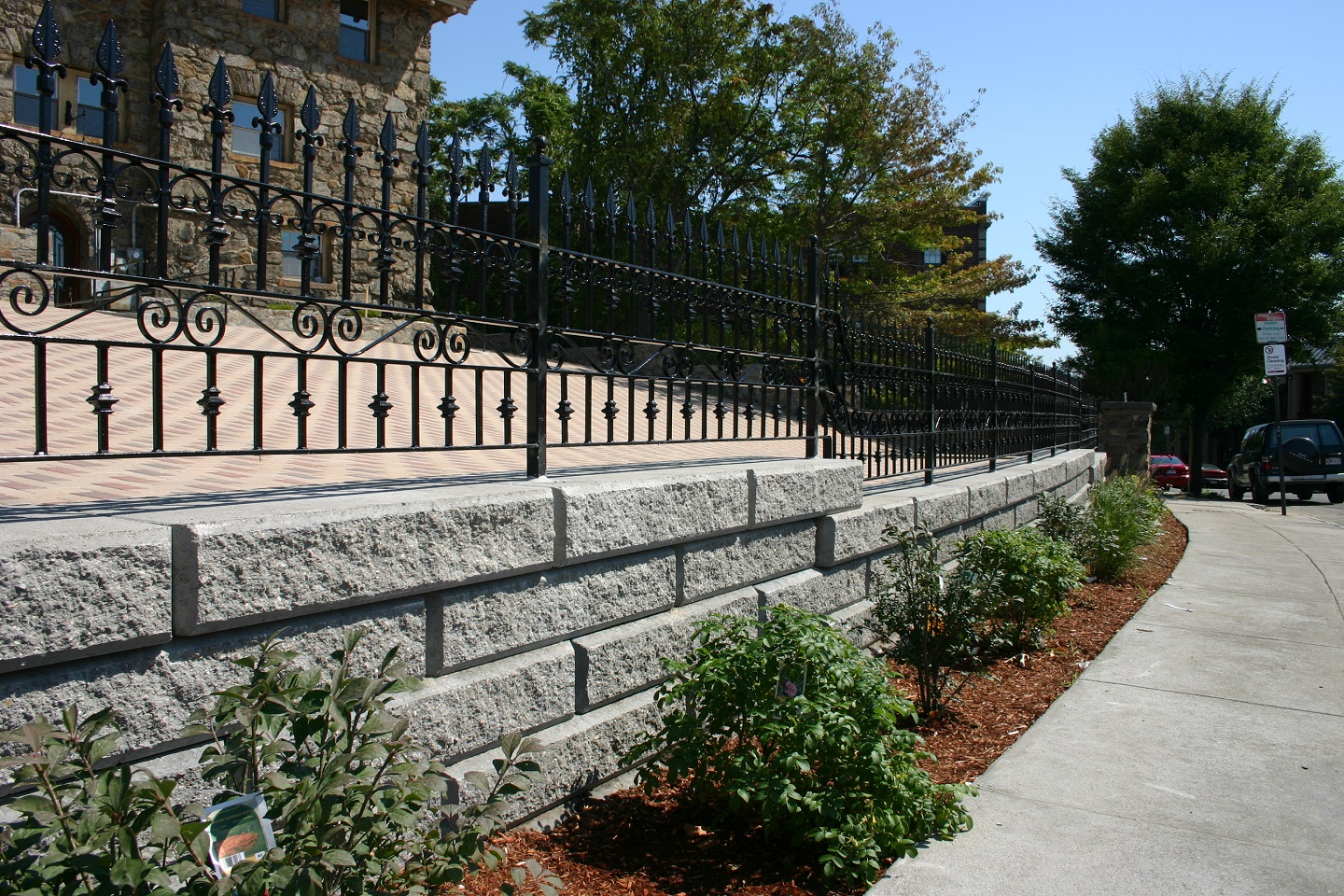 Permable pavers and retaining wall in Arlington, MA
