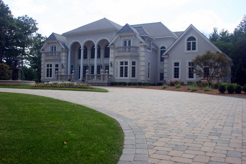 Lexington, MA beautiful driveway pavers by Unilock