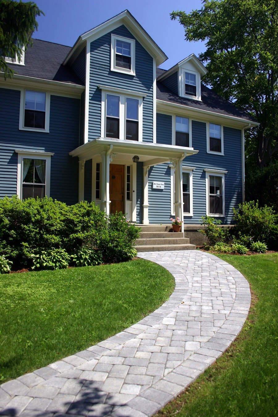 Walkway pavers in Lexington, MA by Unilock Authorized Contractor