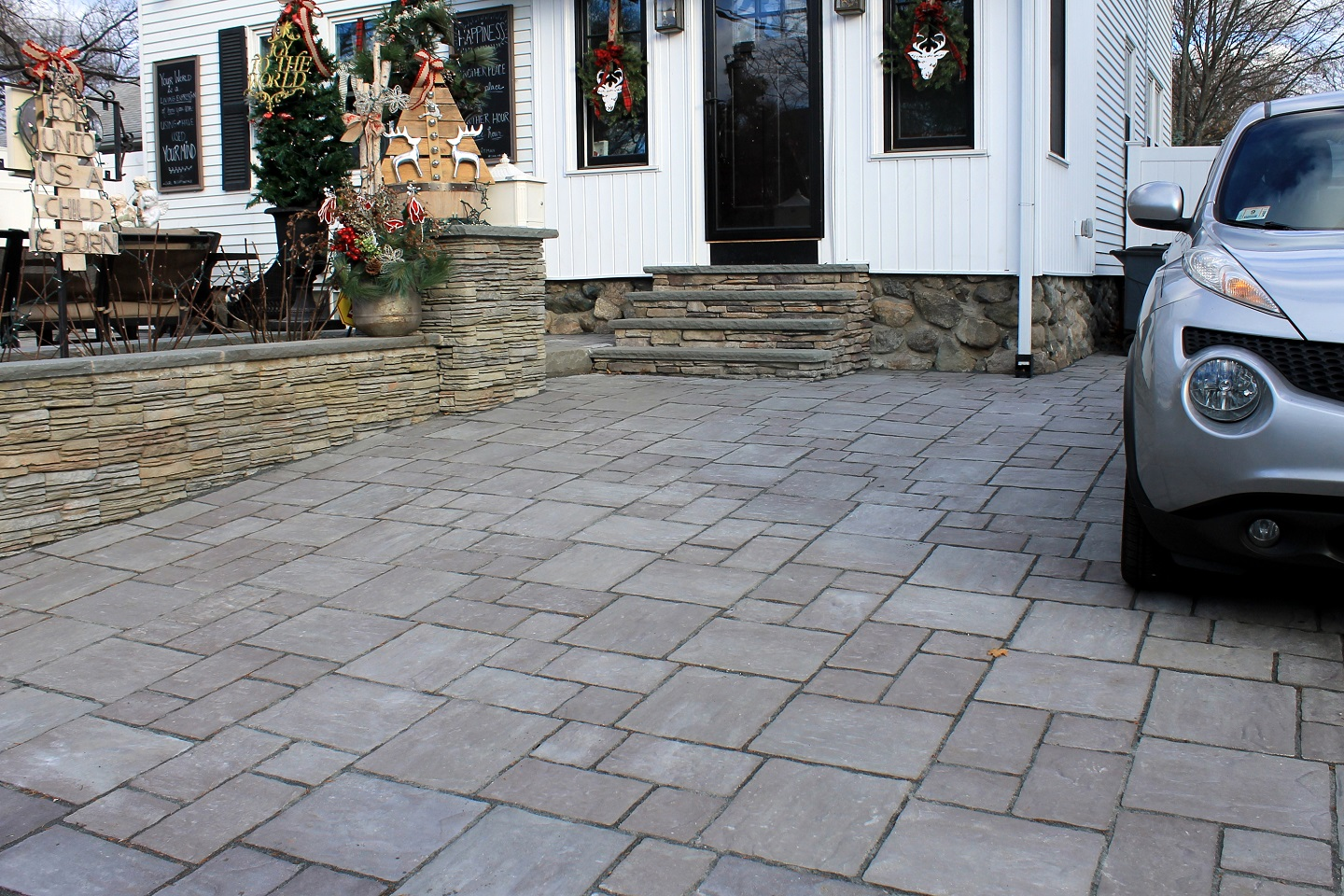 Retaining wall and driveway pavers in Newton, MA