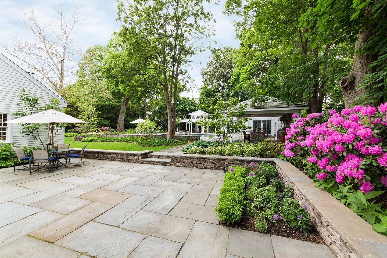 Classic bluestone patio in Arlington, MA
