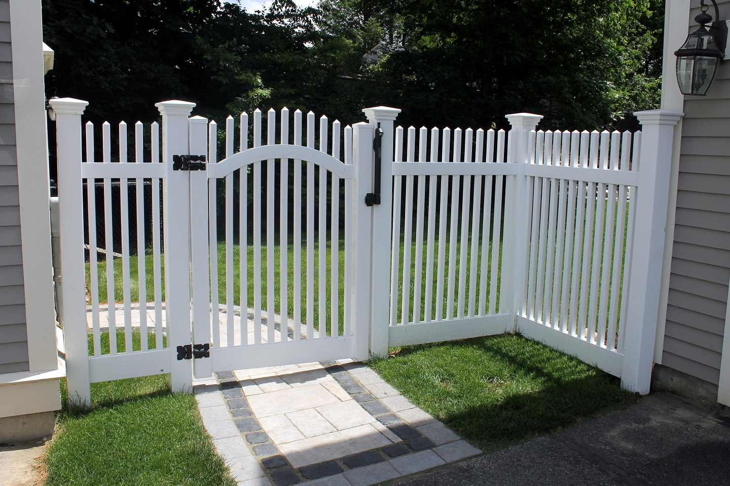 Fencing and railing by landscapers near me in Newton MA