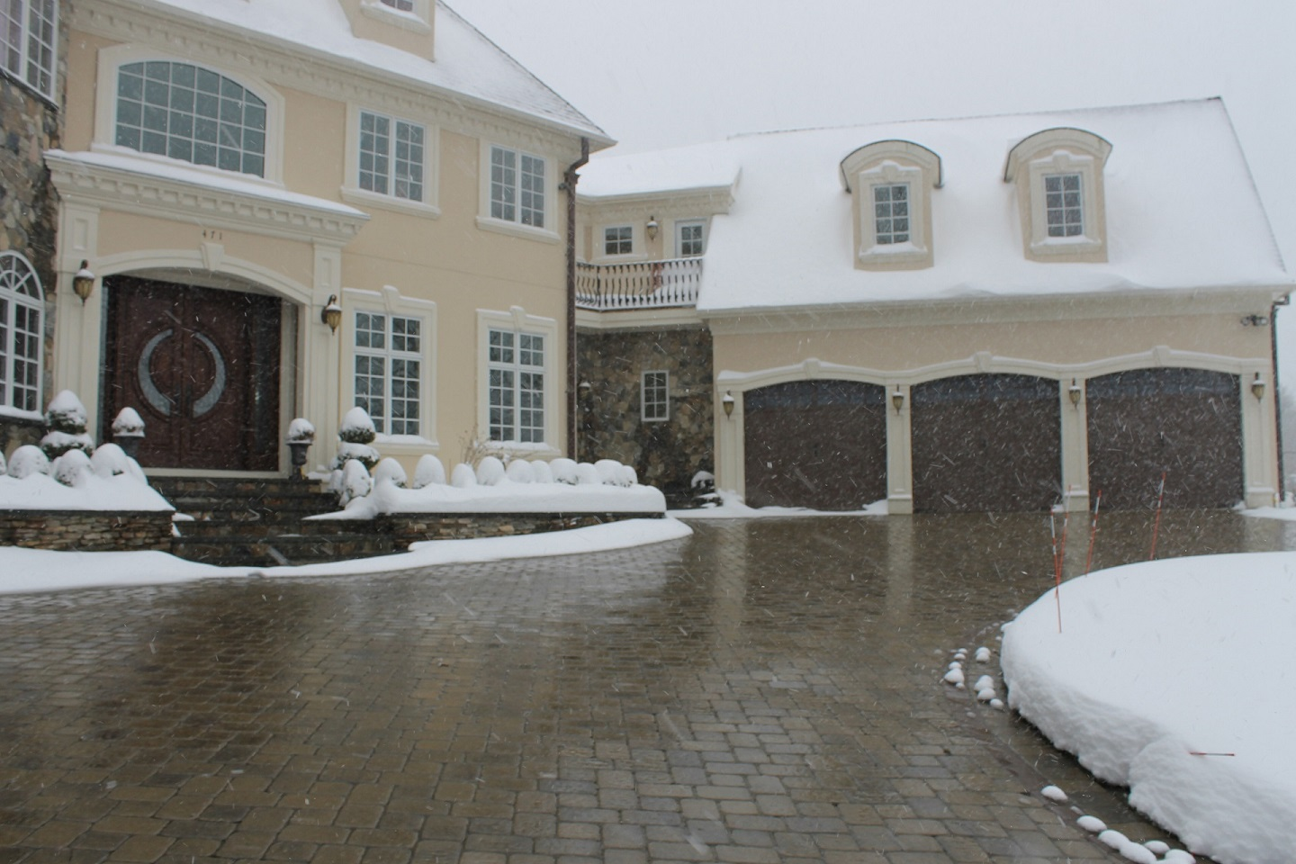 Top quality snowmelt system with permeable pavers in Newton, MA