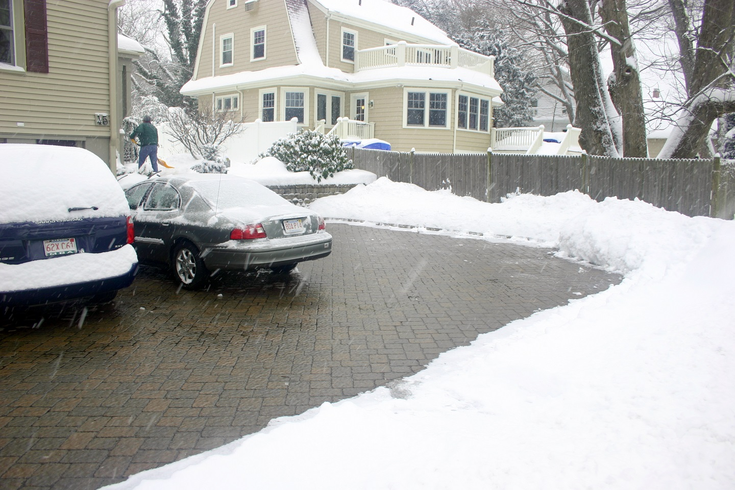 Cambridge, MA top driveway pavers and snowmelt system
