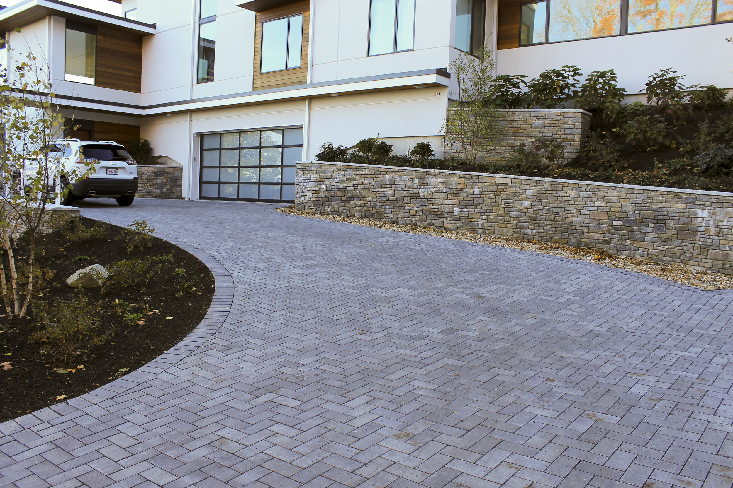 Comparing Different Driveway Pavers for Your Arlington, MA, Home