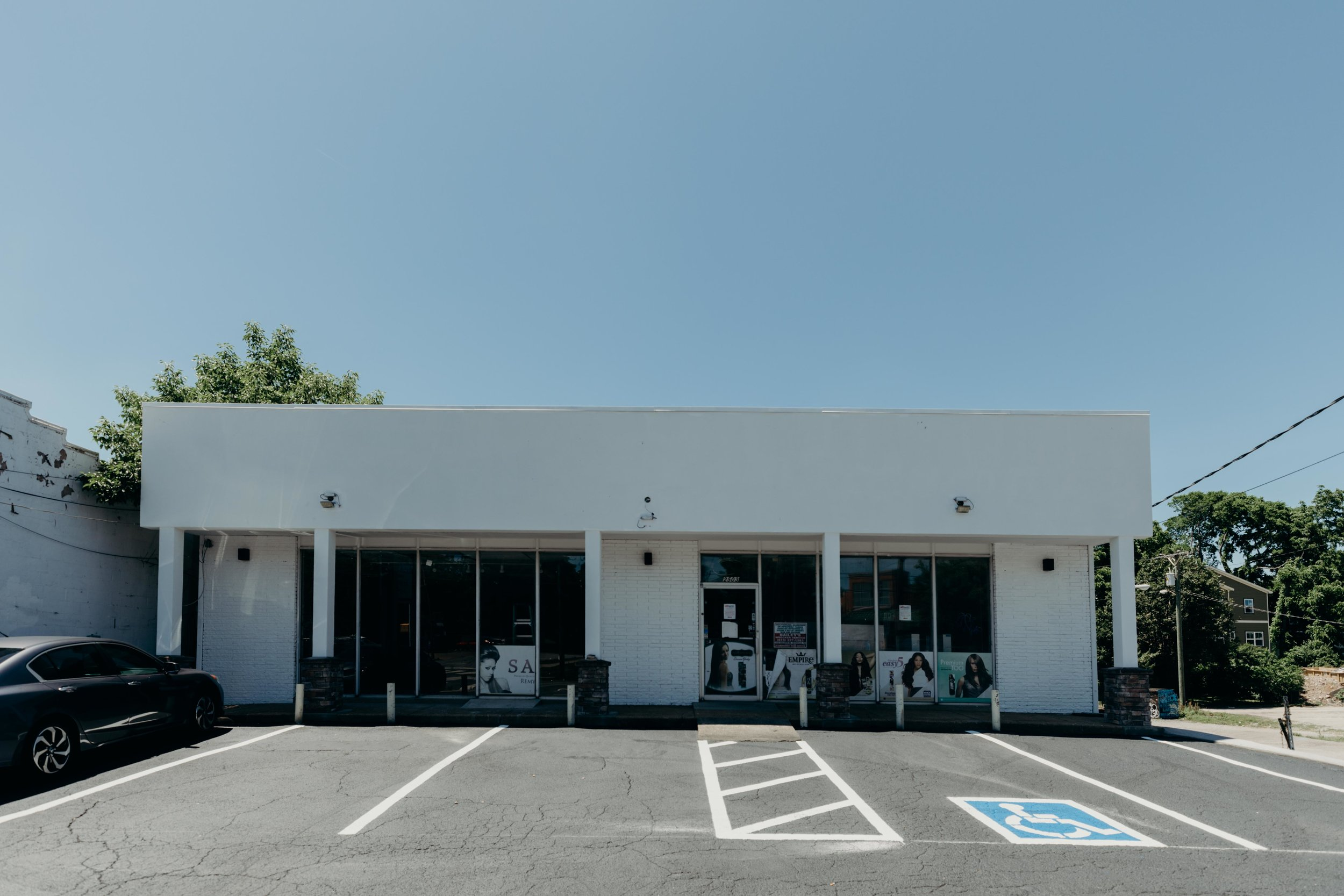 2503 Gallatin Avenue - East NashvilleRetail/Storage | 2,400 - 5,400 sfHigh visibility on Gallatin Avenue at Cahal Ave (lighted intersection). Rare amount of on site parking for East Nashville. Four minutes to Five Points and six minutes to Downtown Nashville. Open floor plan.