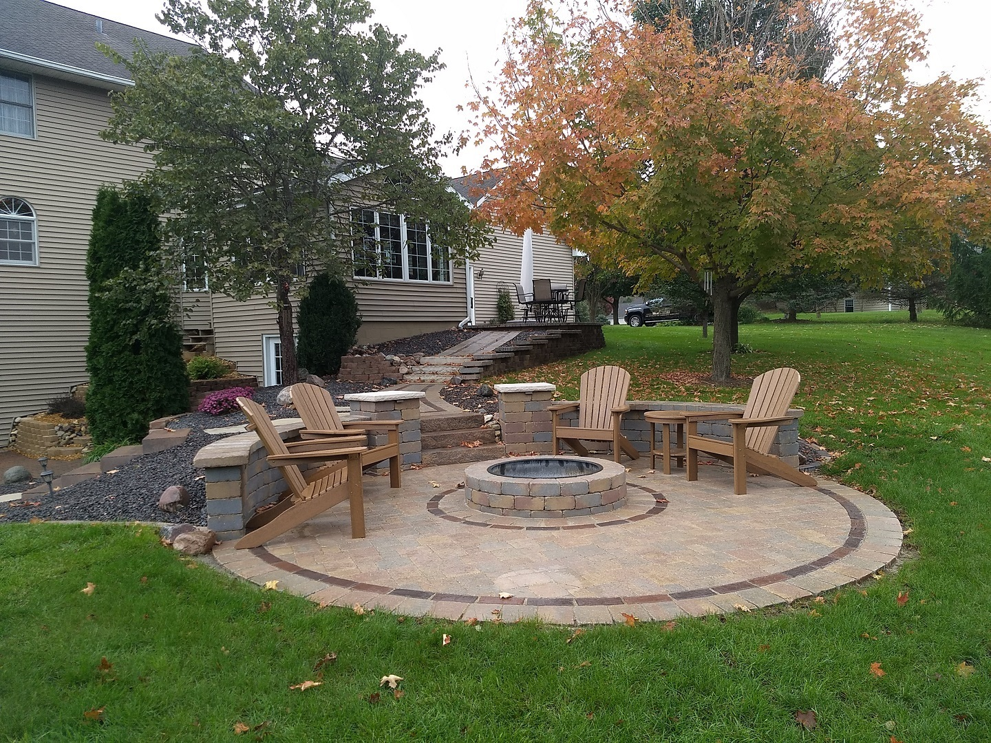 patio with fire pit.jpg