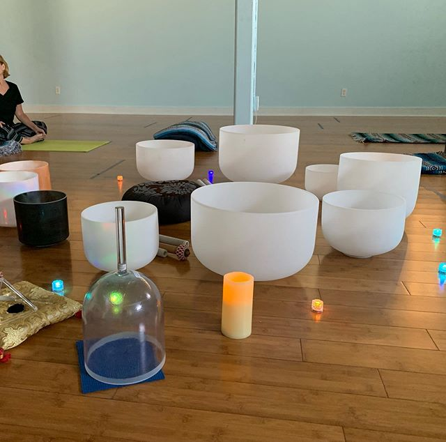 Great Reiki and Crystal Bowl session with @thecrystallioness. We'll both be at the Free Festival of Yoga & Healthy Living, June 23rd, Waterfront Park, San Diego, 9-3pm. Hope to see you there. . . . #crystalbowls #crystalsoundhealing #soundbath #soundbowls #soundhealing #singingbowls #singingbowl #meditation #vibrationalhealing #stressrelief #takeaminute #crystalhealingvibes #soundmeditation #healingsounds #soundscape #sandiegoyoga #crystalbowlmeditation #crystalsingingbowlmeditation #relaxation #northpark #normalheights #crystaltones #sdyoga #sandiegosoundhealing #waterfrontpark
