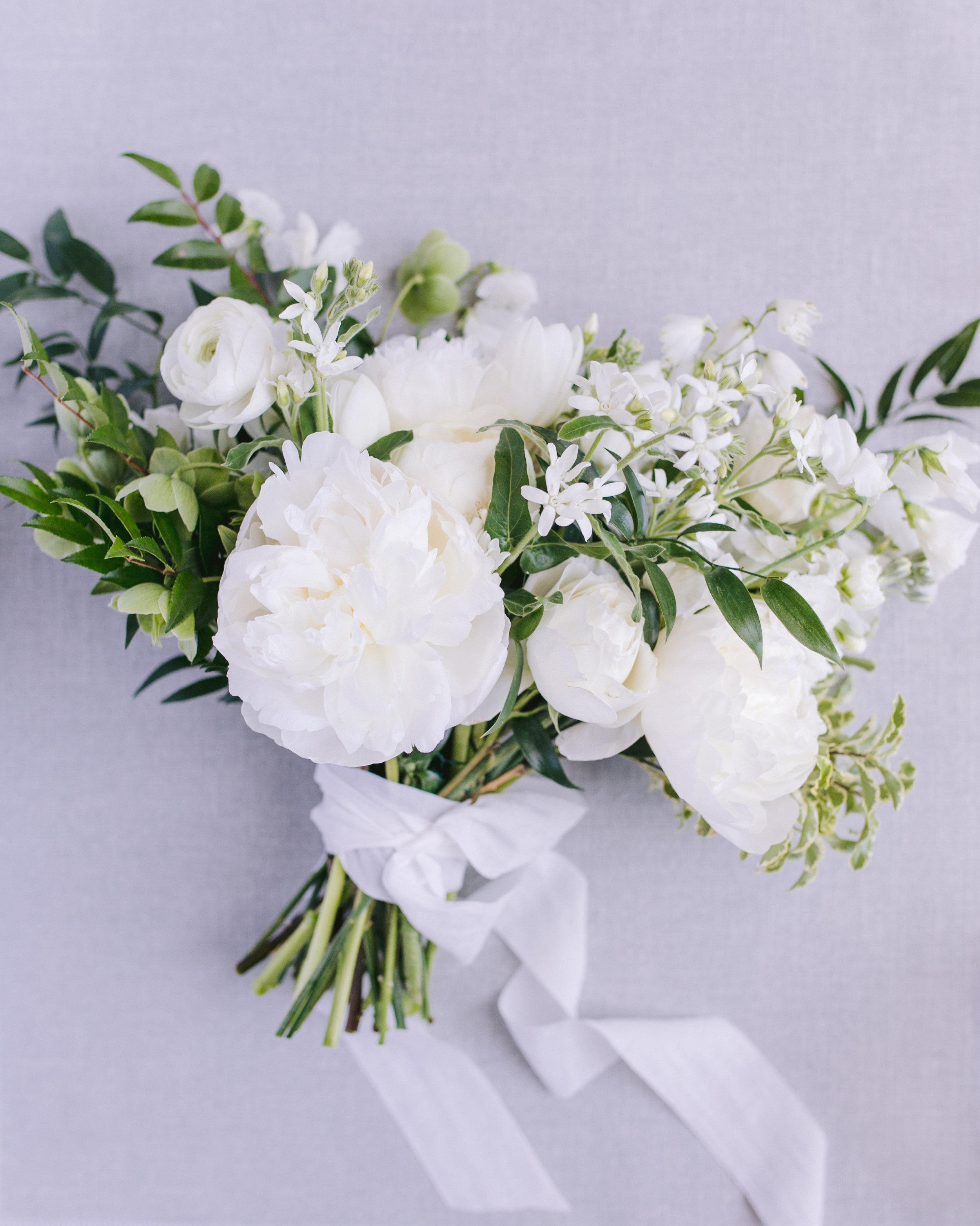 Gasparilla Inn Wedding white bouquet-1023.jpg