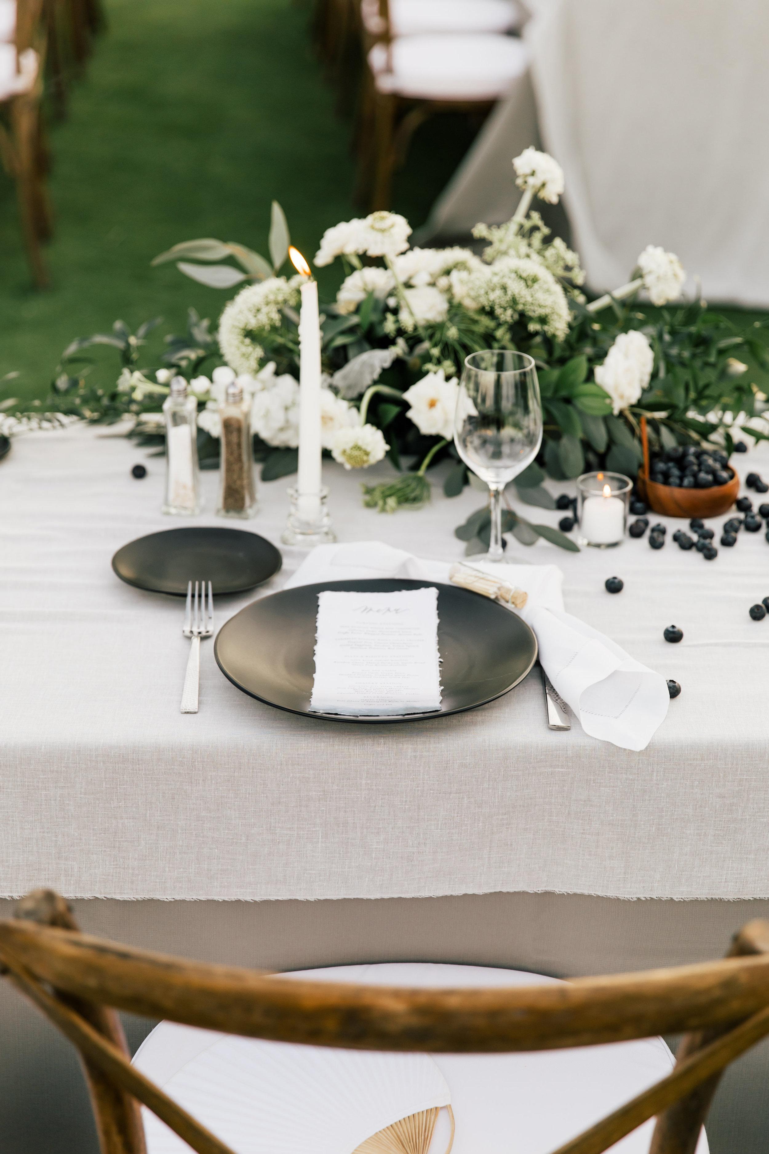 South-Seas-Wedding-Blue-white-gray-beach-destination-jetsetwed-cake
