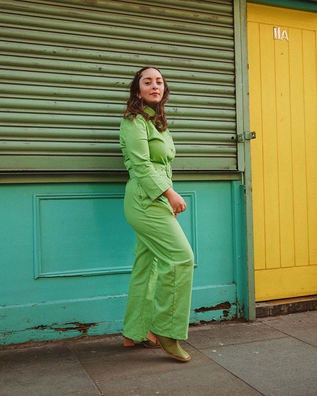 Dear me, today is as windy as it was on the day of this shoot! 🌬 . . . #fblogger #fbloggersuk #styleblogger #fashioninspo #styleinspo #styleinspiration #vintage #vintagestyle #vintageclothing #70sfashion #70s #70sstyle #oootd #ootd #wiwt #discoverunder1k #alwaysplaydressup #thrifted #thrifting #thriftstorefinds #ethicalfashion #sustainablefashion #60s #60sfashion #petitefashion #houseofsunny #palomawool