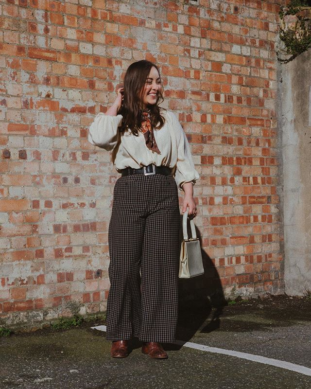 Not a sunny Saturday whatsoever! Nursing a sore throat from hell right now, but pretty chuffed with my shoot today with @scarlettstvns - can't wait to see the pictures! 🙌🏼 Trousers are & Other Stories via insta sale | boots are @miista | everything else is vintage 🖖🏼 . . . #fblogger #fbloggersuk #styleblogger #fashioninspo #styleinspo #styleinspiration #vintage #vintagestyle #vintageclothing #70sfashion #70s #70sstyle #oootd #ootd #wiwt #discoverunder1k #alwaysplaydressup #thrifted #thrifting #thriftstorefinds #ethicalfashion #sustainablefashion #60s #60sfashion #petitefashion