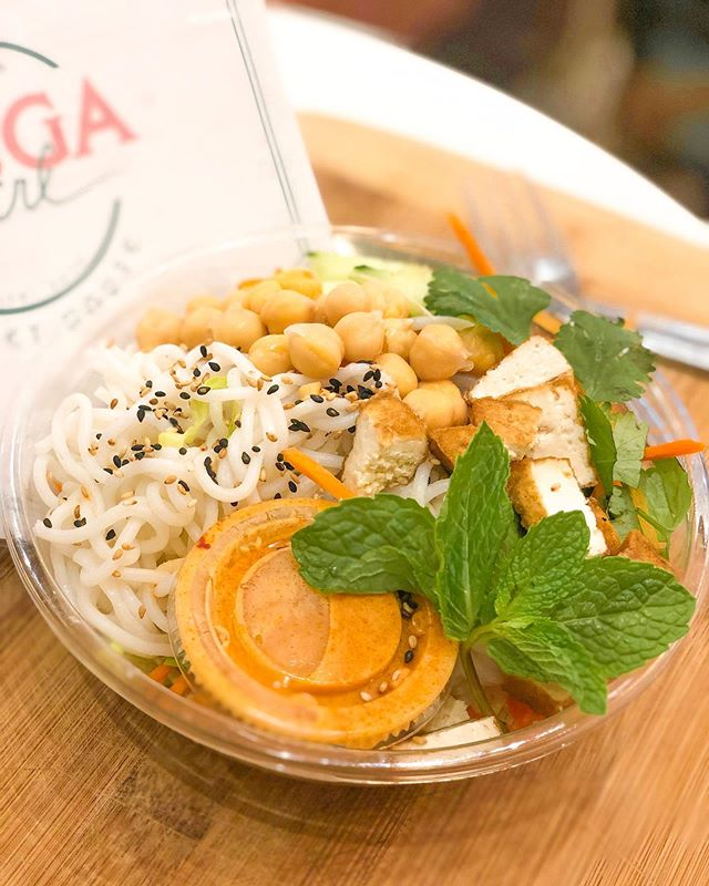 In a rush? Grab lunch from our Grab & Go selection—Salads, Sushi, Sandwiches & Pressed Juices made fresh every day 💕 . . . #Shugagirlsweethouse #shugagirl #sweetgirlsdeserveeverything #coffeeshop #sweetshop #downtownsavannah #historicsavannah #barnardstreet #savannahgeorgia #visitsavannah #cafe #onlythebest #sweettooth #happyplace #getyourshugaon #sugarrush #sugarhigh