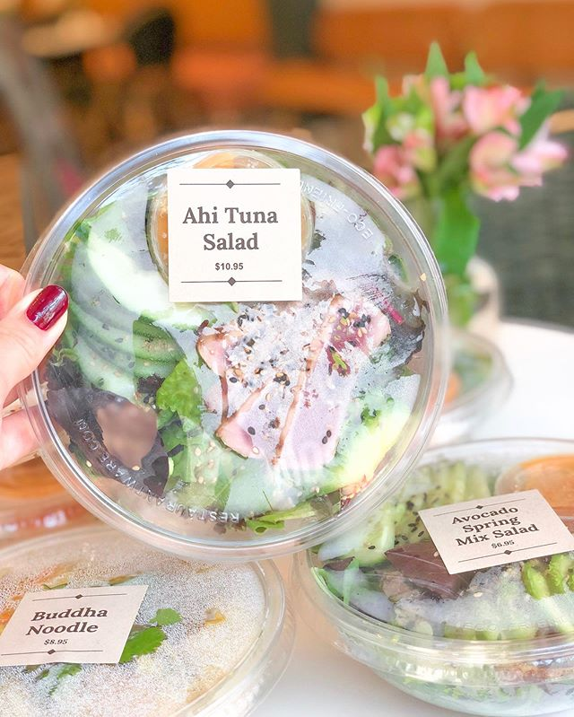 Just because you're in a rush doesn't mean you can't have a delicious lunch. Visit our Grab & Go section for a variety of delicious salads, sushi, sandwiches & pressed juices. 💞 . . . #Shugagirlsweethouse #shugagirl #sweetgirlsdeserveeverything #coffeeshop #sweetshop #downtownsavannah #historicsavannah #barnardstreet #savannahgeorgia #visitsavannah #cafe #onlythebest #sweettooth #happyplace #getyourshugaon #sugarrush #sugarhigh