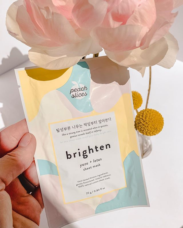 I can't recommend sheet masks enough to pretty much everyone I meet. They range in price, formula, material, and usage. I've tried probably over 30 different brands but I have to say these sheet masks from @peach_slices are by far the BEST on the mass market. 🍋I specifically love this brightening one as it targets dark spots and dull skin. The cotton woven mask is drenched in Japanese yuzu citrus and lotus. I learned that Yuzu has 3X more Vitamin C than a lemon...*mental note for the next time I'm sick*. Vitamin C helps boost skins radiance and diminish hyperpigmentation. 👉🏻Follow me on the LIKEtoKNOW.it app to get the product details for this look and others!  #liketkit http://liketk.it/2CdVk @liketoknow.it.usa 🧐What's your favorite sheet mask? . . . #beautyconcierge  #alyssaciffone