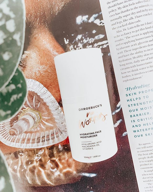 Don't worry, be happy now....anyone else have that singing fish on a placard growing up? No? Ok, well anyway this moisturizer is a fantastic multi-benefit cream that's great for ALL skin types. 👩🏼‍🔬The formula is light in texture and contains Hyaluronic Acid, Macadamia Oil (hydrates with essential fatty acids), and Rosehip Oil (rich in Vitamin A and C to boost your natural collagen production for reduction in fine lines). ALSO, the formula is vegan, cruelty-free, gluten-free and is RECYCLABLE. I wish all products could say the same. Nursing or pregnant mamas can enjoy this too! 🛍Download the LIKEtoKNOW.it app to shop this pic via screenshot! http://liketk.it/2ClzL  #liketkit @liketoknow.it . . . #beautyconcierge  #alyssaciffone