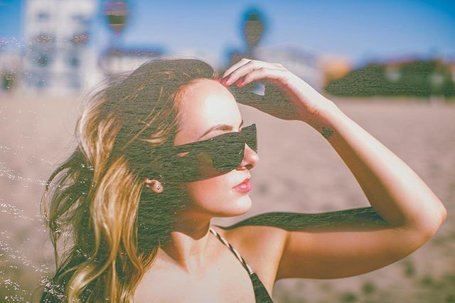 #FBF to a couple summers ago soaking up some sun and being shot by the uber talented @heidi_lillian. Praying for warm weather and blue skies this weekend. What are y'all up to?? . . . #beautyconcierge  #alyssaciffone