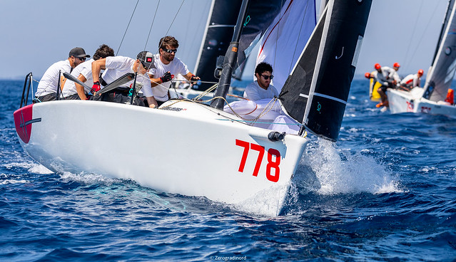 Taki 4  of Marco Zammarchi, with 7-3-5 as daily results becomes the new leader of the Corinthian fleet. Photo @IM24CA/Zerogradinord
