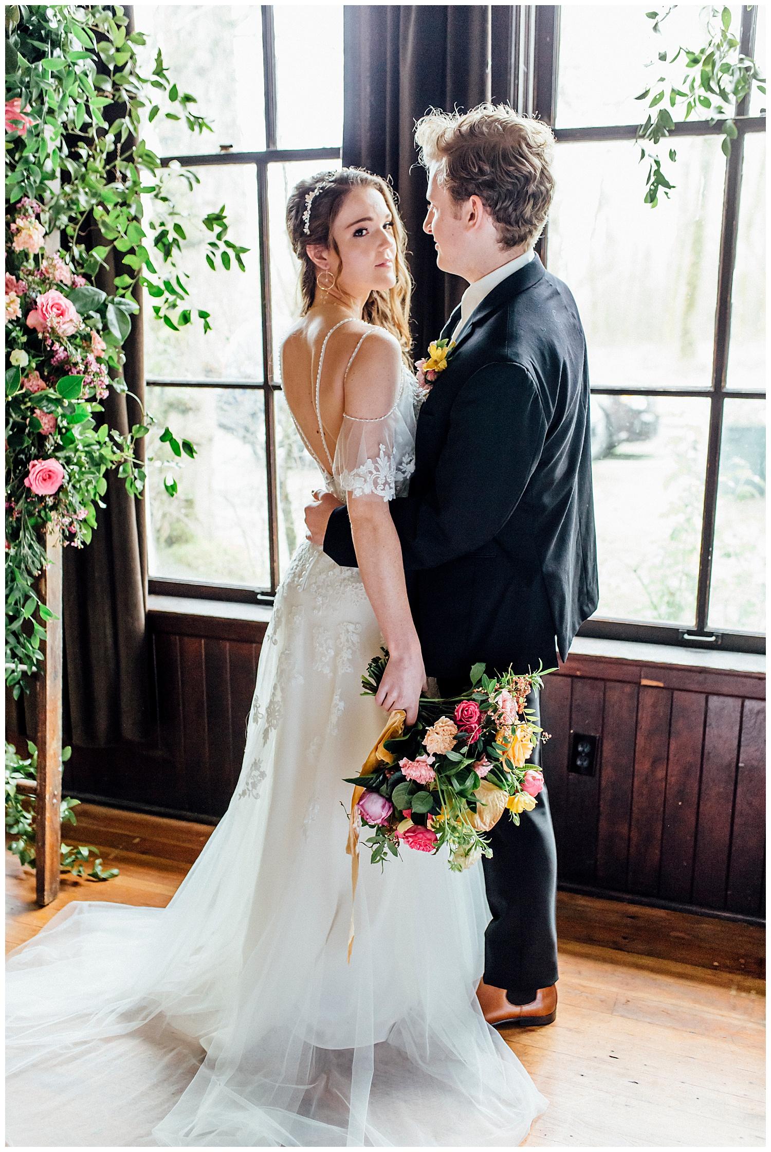Ignite_and_Gather_Styled_Shoot_Eugene_Oregon_Cloverdale_Chapel_Wedding_0017.jpg