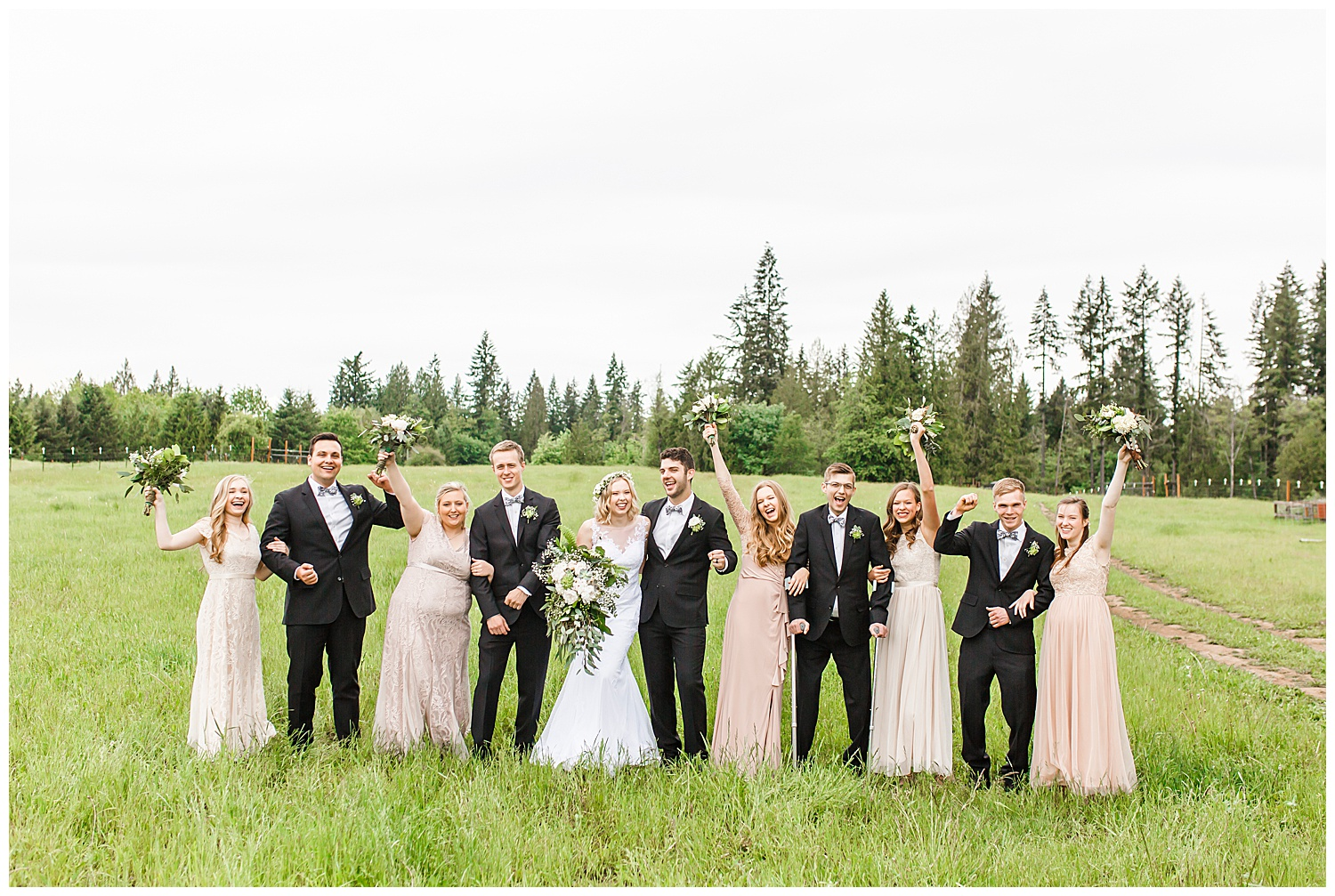 Brush_Prairie_Washington_Wedding_May_Farm_Backyard_Family_Photographer_Conzatti_0026.jpg