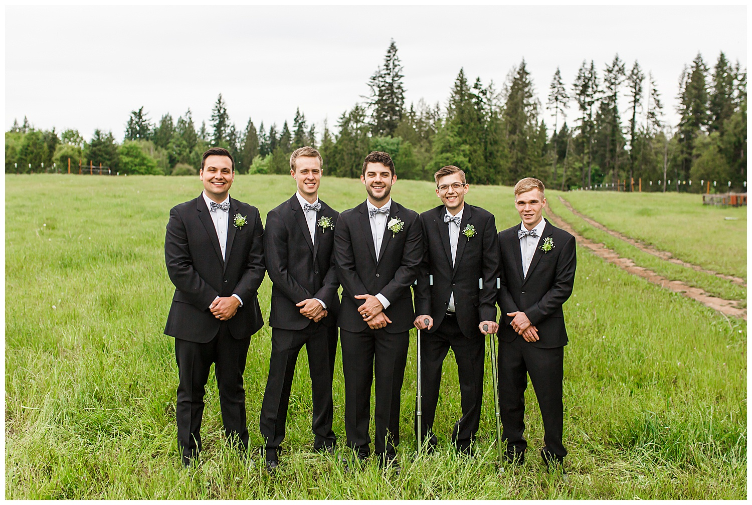 Brush_Prairie_Washington_Wedding_May_Farm_Backyard_Family_Photographer_Conzatti_0027.jpg