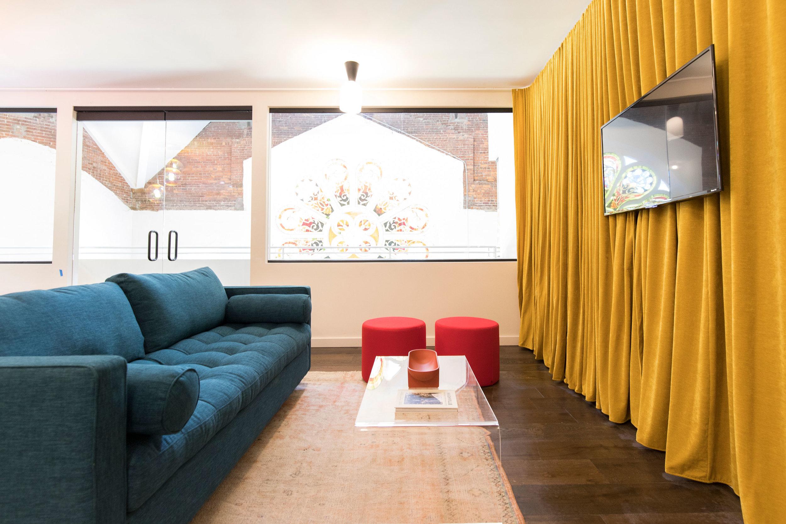 2:P living room.JPG