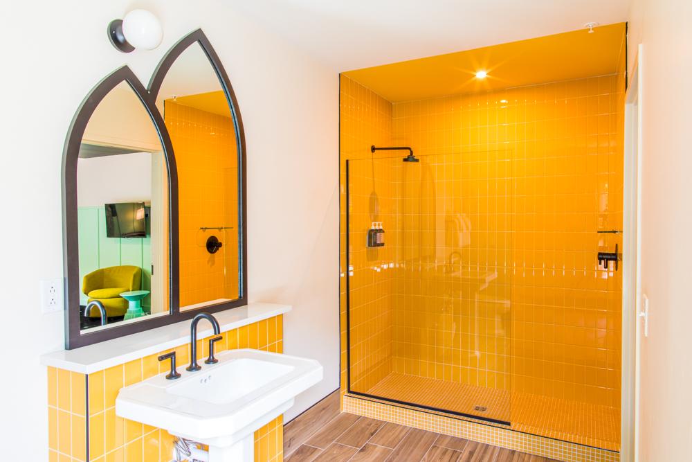 YellowBathroom-019.jpg