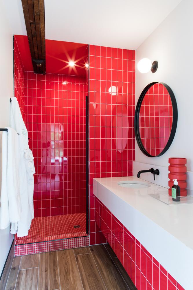 RedBathroom-010.jpg