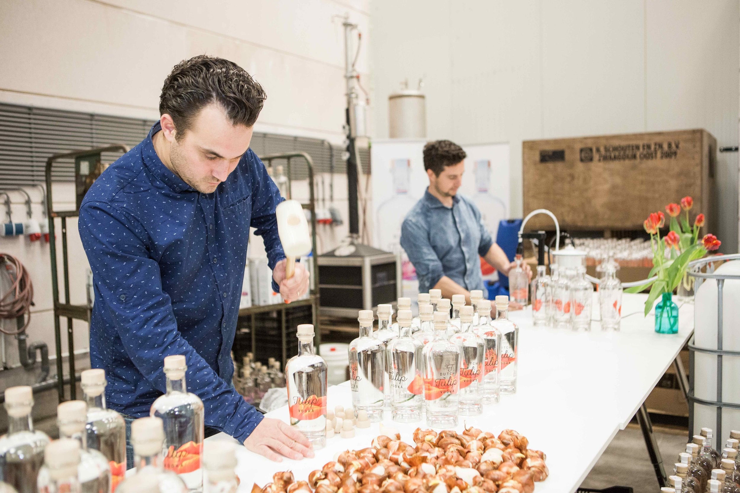 全程荷蘭製造,每一瓶手工完成