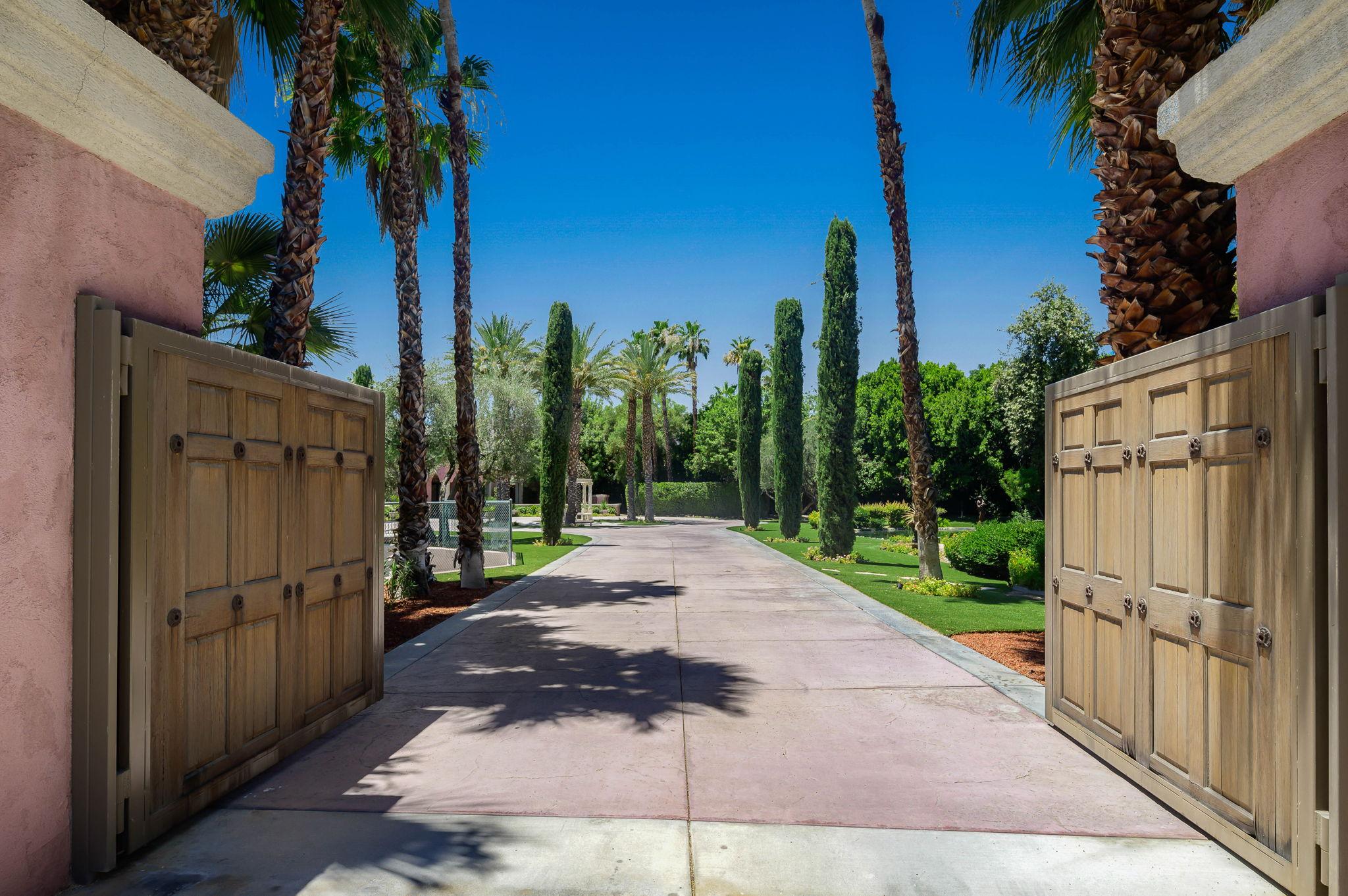1+Von+Dehn+Rd+Rancho+Mirage-14-large.jpg