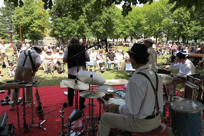 22_neuvil_en_jazz_festival_bd.jpg