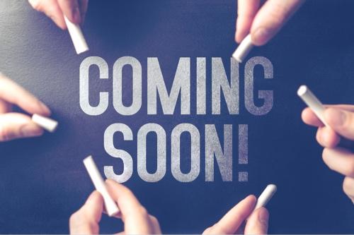 coming soon skrevet med kritt.jpg