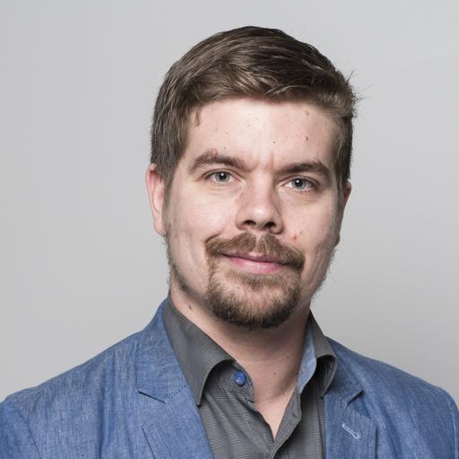 """""""Äänestän Tuulaa, - jotta Kuopio ja Savo-karjala saisi parhaan mahdollisen ihmisen eduskuntaan. Olen vakuuttunut hänen laaja-alaisesta osaamisestaan ja pidän hänen arvopohjastaan."""" - Simo Suksi"""